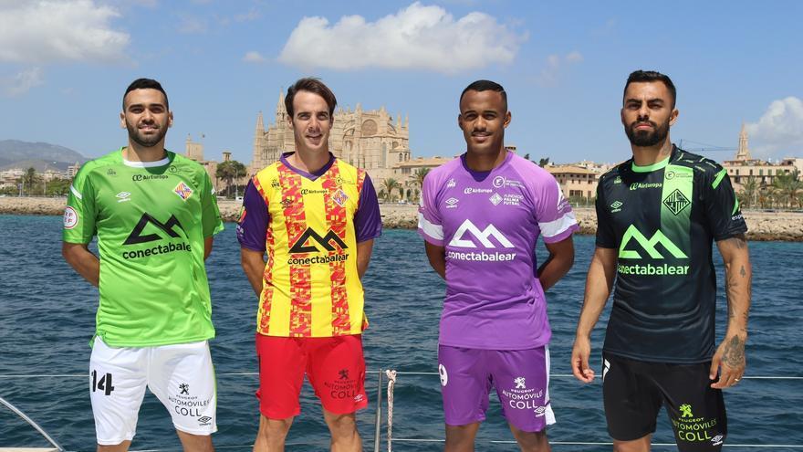 La afición del Palma Futsal, presente en la camiseta principal del equipo