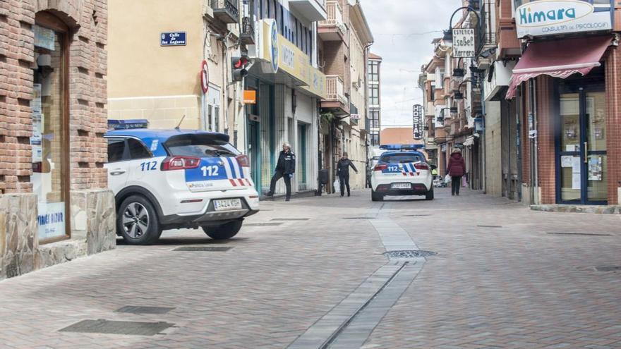 La Policía halla desnudo en la calle a un adolescente con autismo