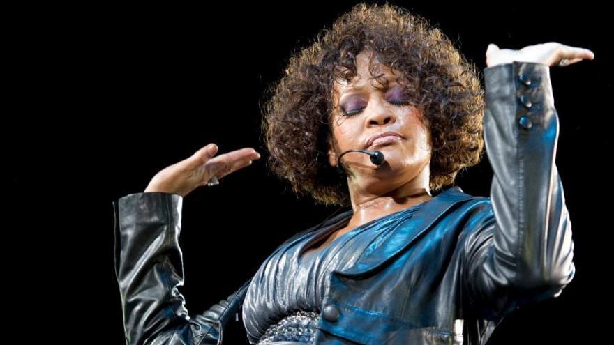 Escucha 'Higher love', un tema inédito de Whitney Houson