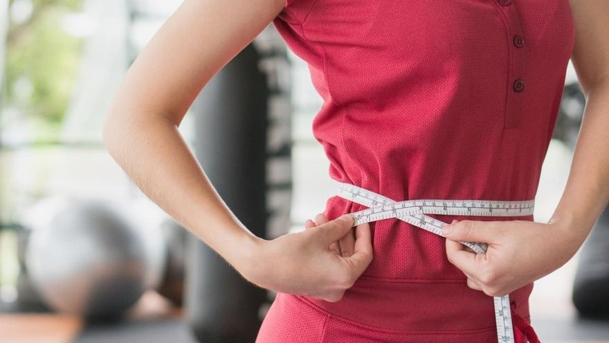 Lo que tienes que hacer cada noche para perder peso mientras duermes