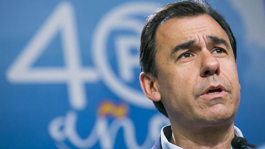 El PP suspende la militancia de Zaplana y Telefónica rompe sus vínculos