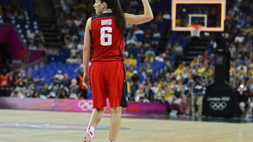 Estados Unidos arrolla a Serbia y se consolida como favorita en baloncesto femenino