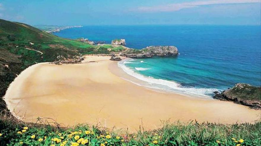 Las diez mejores playas nudistas de España