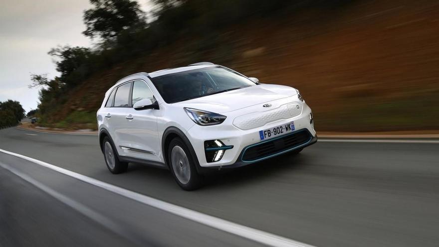 Los 10 coches eléctricos e híbridos enchufables más vendidos en enero de 2021