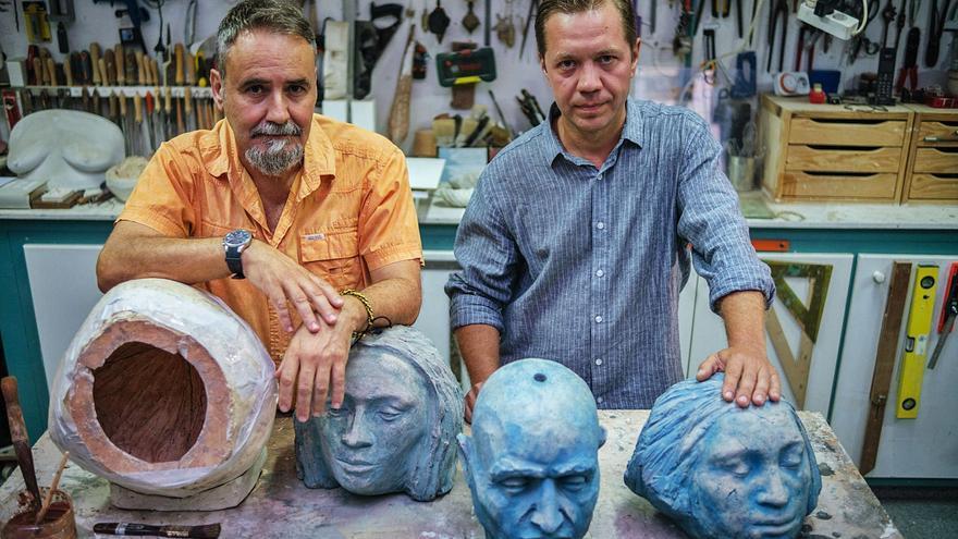 Denis Siniauski y Román Hernández, los 'padres' de las cabezas misteriosas