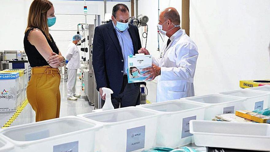 Blas Trujillo visita  la fábrica de Episcan