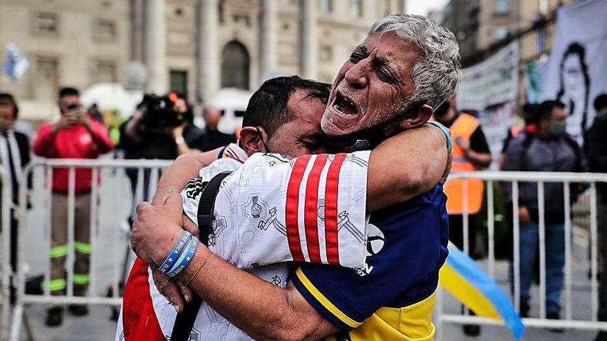 Argentina llora a su 'Dios' Maradona
