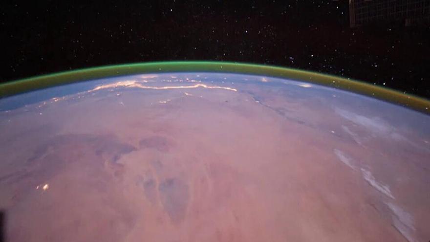 Captan por primera vez un resplandor verde en Marte