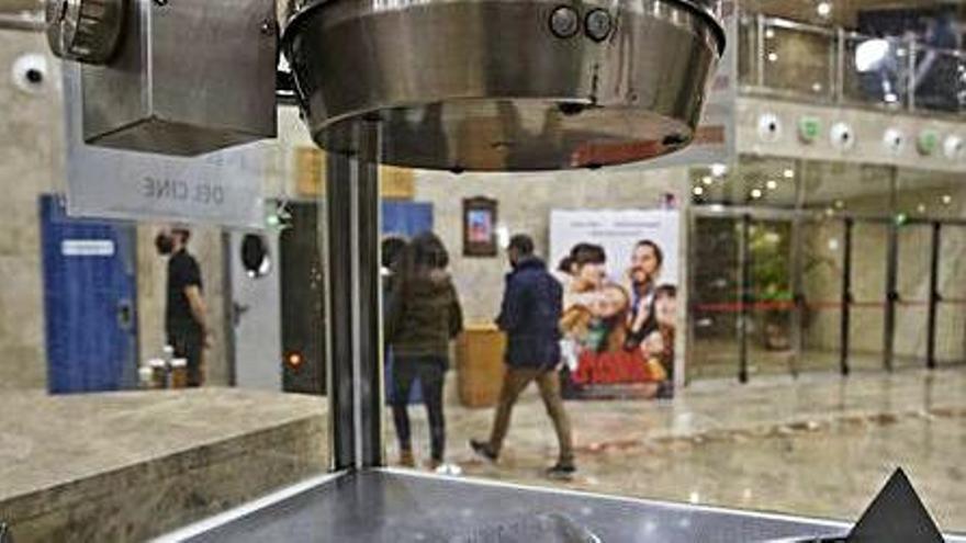 Alicante insta a Sanidad a que permita a los cines consumir en sus salas