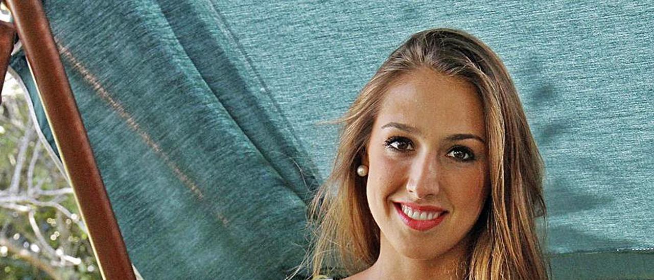Tamara Abalde, en una estancia veraniega en Vigo.    // JORGE SANTOMÉ