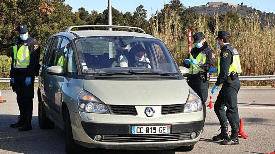 Espanya exigeix vacunació o test negatiu als que creuen la frontera des de França
