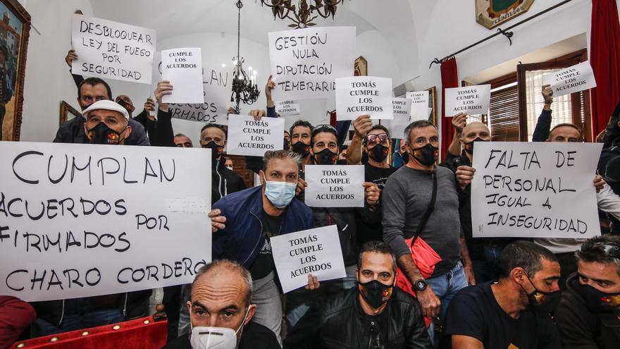 Protesta del Sepei en la Diputación de Cáceres
