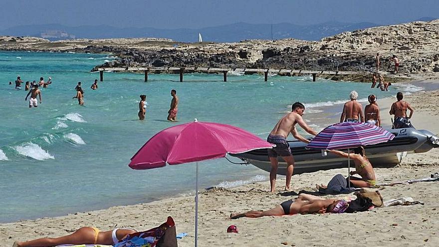 El Consell de Formentera prorroga un año los permisos de estancias turísticas