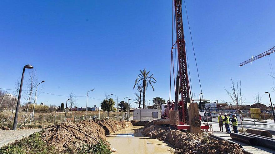 Las quejas de los regantes de la huerta sur obligan al ayuntamiento a darles más agua