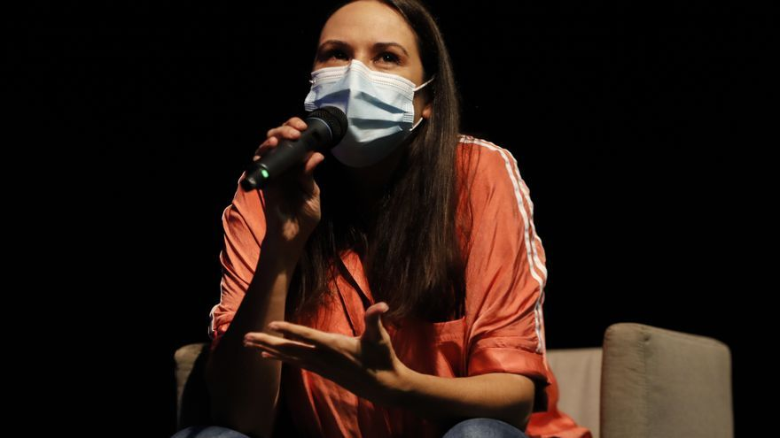 Y Wöyza cantó en el Club FARO