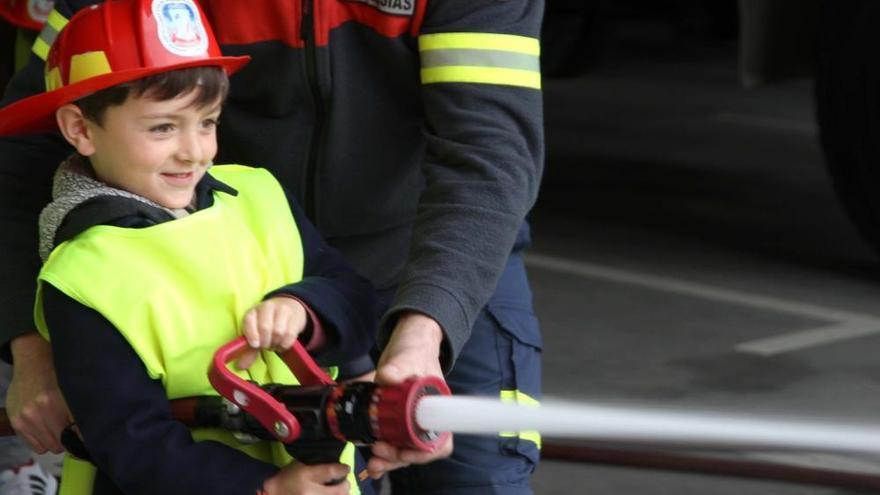 Los alumnos del colegio Gesta, en Oviedo, todos contra el fuego