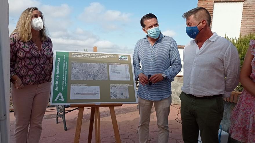 La Junta anuncia las obras de ampliación de la carretera de Canillas de Albaida a Cómpeta