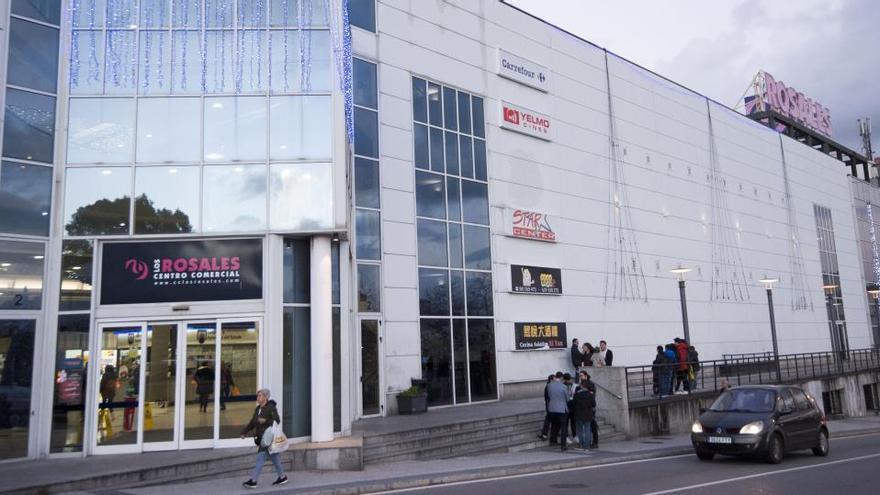 Los Rosales Centro Comercial reabre establecimientos con refuerzo de higiene y seguridad