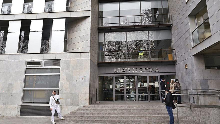 Els jutjats gironins encara arrosseguen les seqüeles de l'aturada judicial