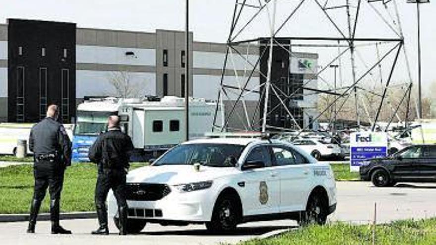 Moren 8 persones en un tiroteig a les instal·lacions de FedEx a Indianapolis