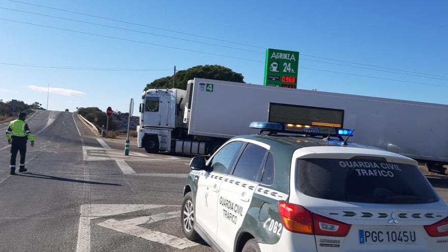 VIDEO | Así ha sido el desembolsamiento de los camiones en Villalpando hacia la A6 tras la borrasca Filomena