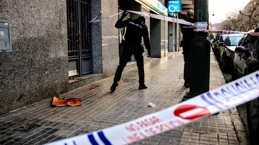 Un hombre apuñala a su mujer y a sus dos hijos de 5 y 12 años y se quita la vida en Alcoy