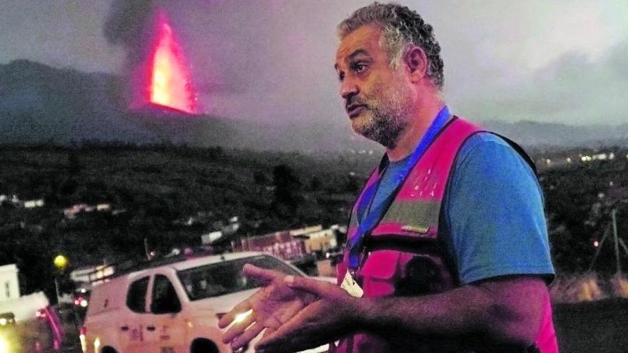 Stavros Meletlidis: «Hay que entender que la lava no es un espectáculo, hay que estar con quien lo ha perdido todo»