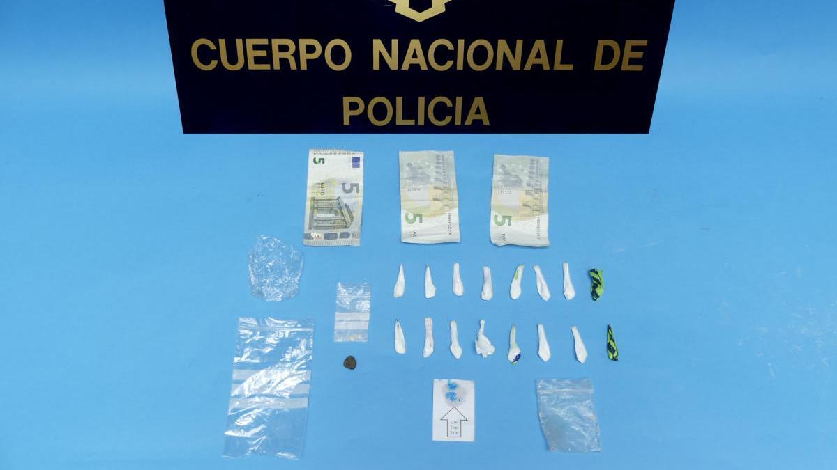 Efectos intervenidos por la Policía Nacional al detenido.