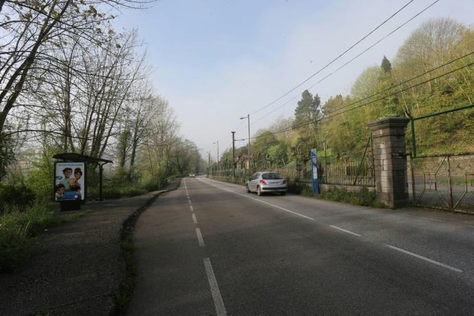 El lugar donde dos niñas fueron atropellaron cuando iban al instituto en Trubia