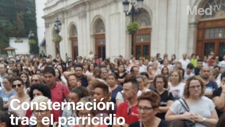 Castellón enmudece en memoria de Martina y Nerea