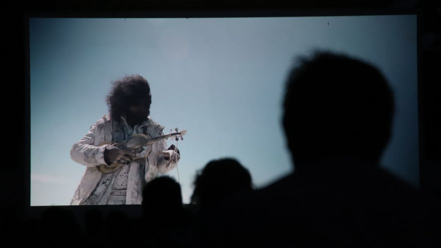 'La música proyectada' ha arrancado en el Cine Fuenseca con un documental sobre el violinista Ara Malikian