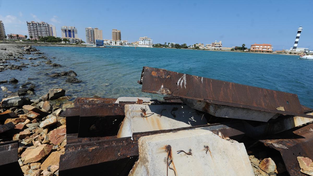 El Estado pretende retirar las tablestacas de acero de Puerto Mayor