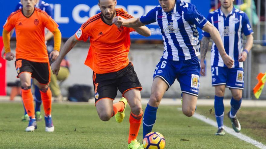 El Valencia regala tres puntos y da un paso atrás