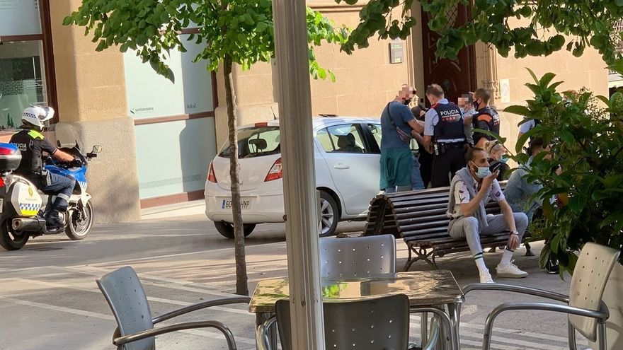 Detingut un home que causava aldarulls a Sant Domènec
