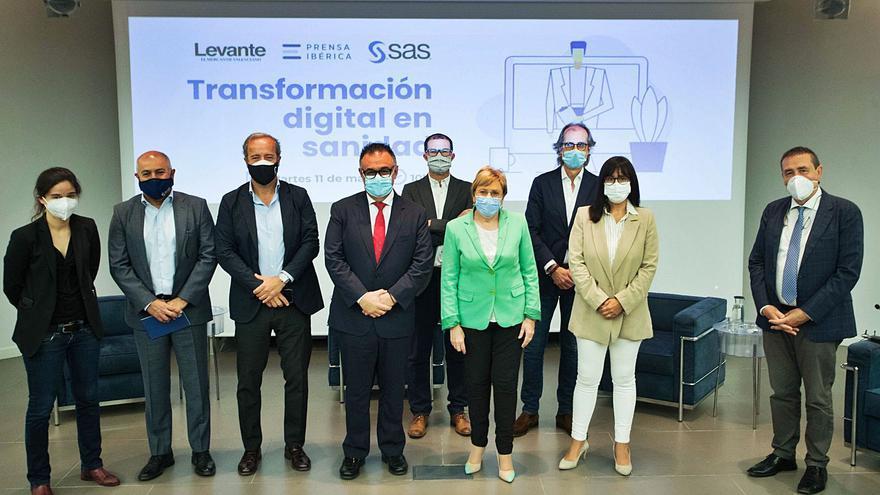 Empresas y Administración El sistema sanitario mira a su futuro con la digitalización.