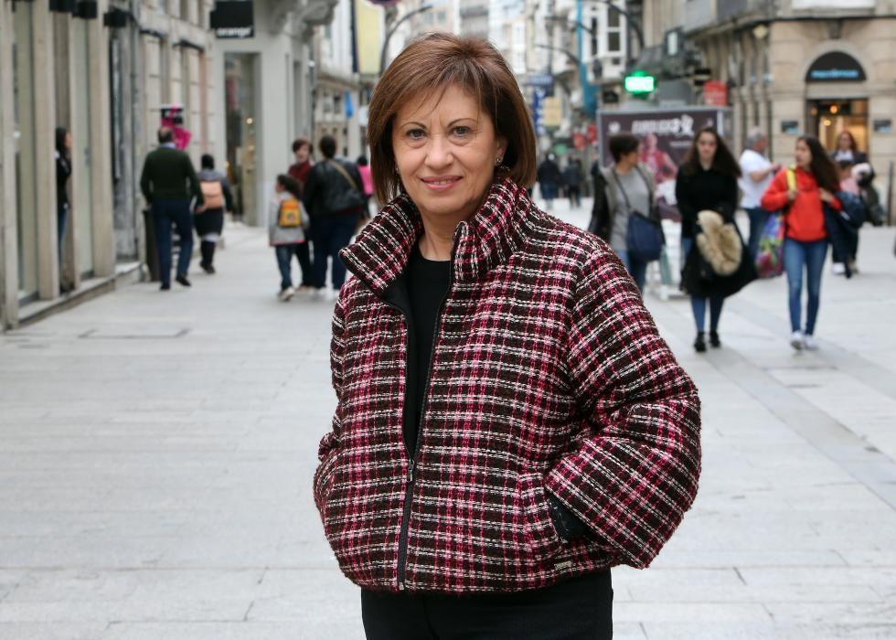 Elena Espinosa Mangana (PSOE). Licenciada en Ciencias Económicas y Empresariales, fue ministra de Agricultura y Pesca y de Medio Ambiente, Medio Rural y Marino con Rodríguez Zapatero. Desde noviembre de 2017 es vicepresidenta segunda de MetalShips & Docks.
