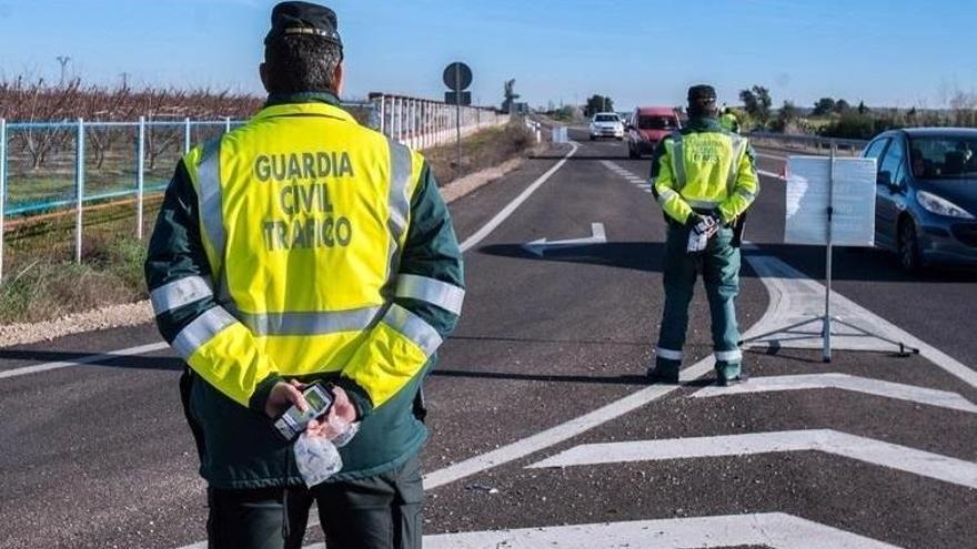 Tráfico activa una campaña específica de control de neumáticos y luces en Galicia