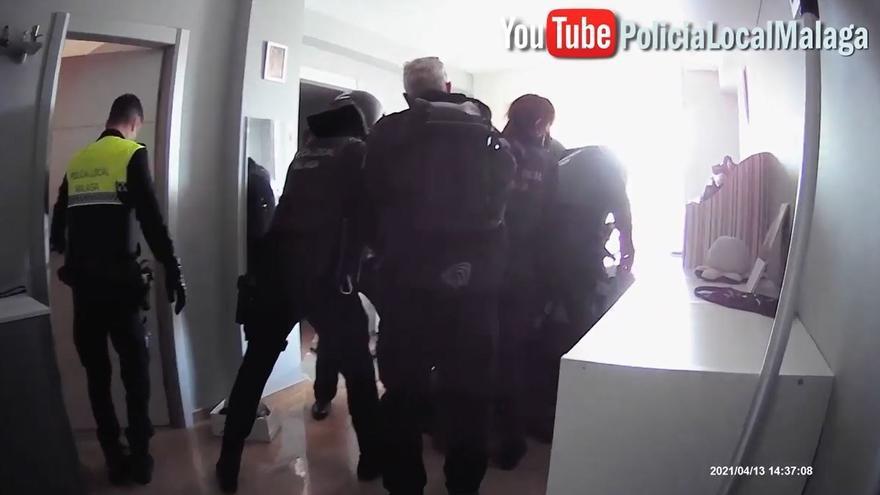 Detenido por agredir con un cuchillo y golpear en la cabeza a su pareja en Málaga