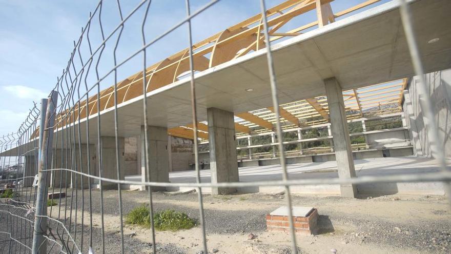 Reprenen per tercer cop les obres de construcció del nou pavelló de Torroella