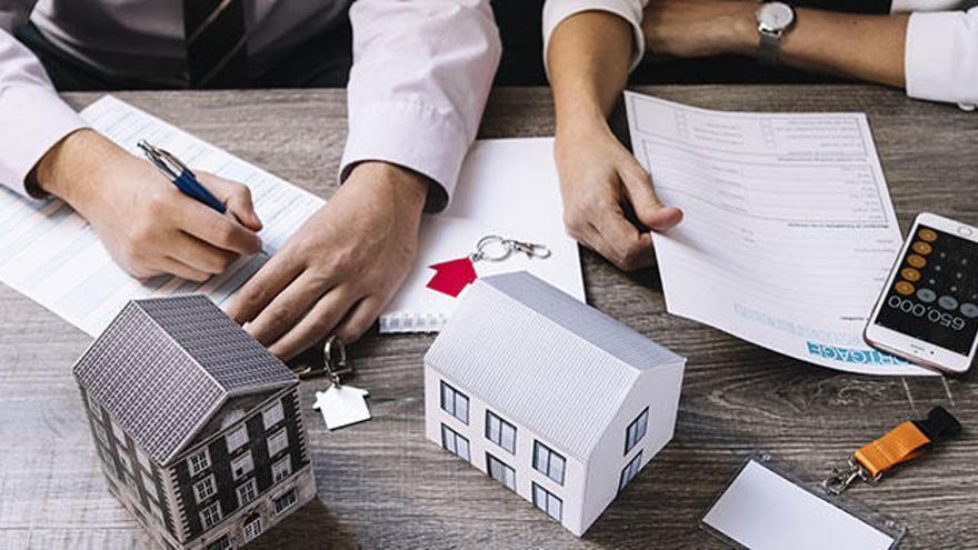 Si estás afectado por cláusulas abusivas bancarias Acoreo te ayuda a recuperar el capital invertido