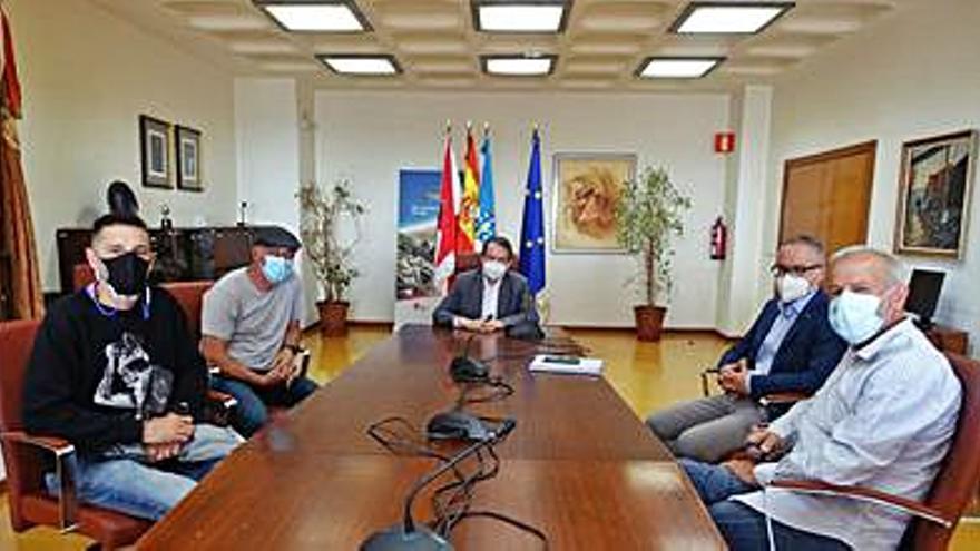 El comité de la ex Vulcano pide a Caballero que defienda el uso naval para los terrenos