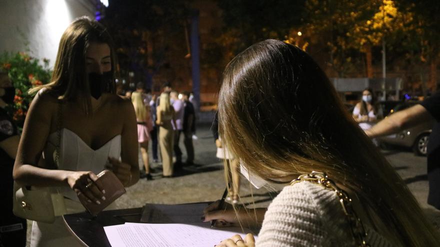 La Fecasarm exigeix al Govern que l'oci nocturn pugui obrir fins a les tres de la matinada per evitar botellots
