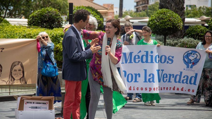 El médico negacionista de Formentera se manifiesta contra las vacunas para  frenar el covid - Diario de Ibiza