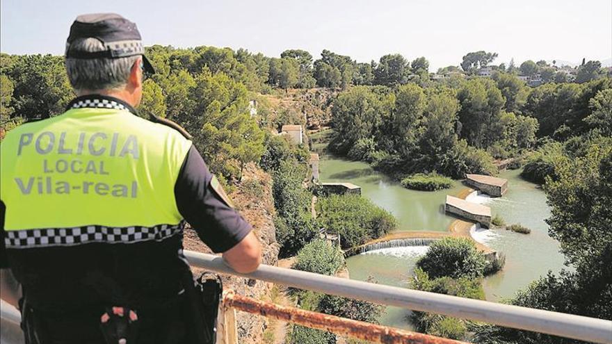 Refuerzan la vigilancia en el Millars para evitar el baño en puntos negros