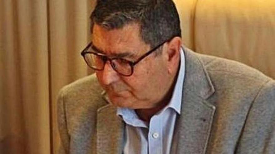 El alcalde de Vélez niega que rechazara el pleno pedido por el PP