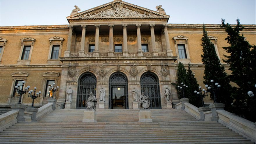 La Biblioteca Nacional se disculpa por catalanizar a autores valencianos