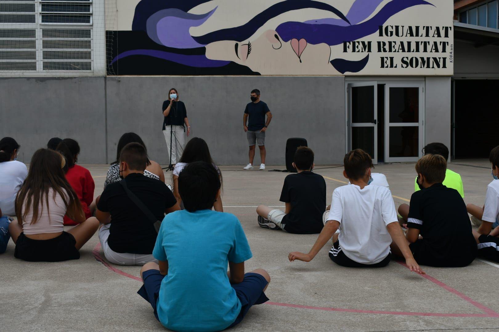 L'Institut Narcís Monturiol de Figueres inaugura murals dedicats al centre i a la igualtat