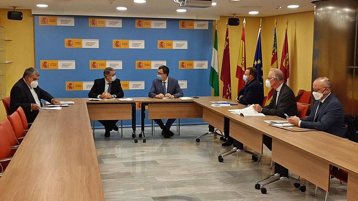 Reunión de Ballesta con el presidente de la Confederación Hidrográfica del Segura.