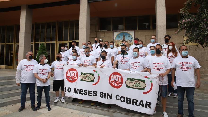 Los trabajadores de Pan Recor presentan ante el Mercantil una solicitud de ERE