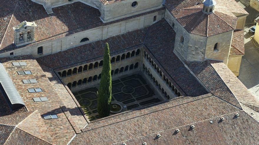 Los monjes de Silos (Burgos), confinados por un brote de COVID